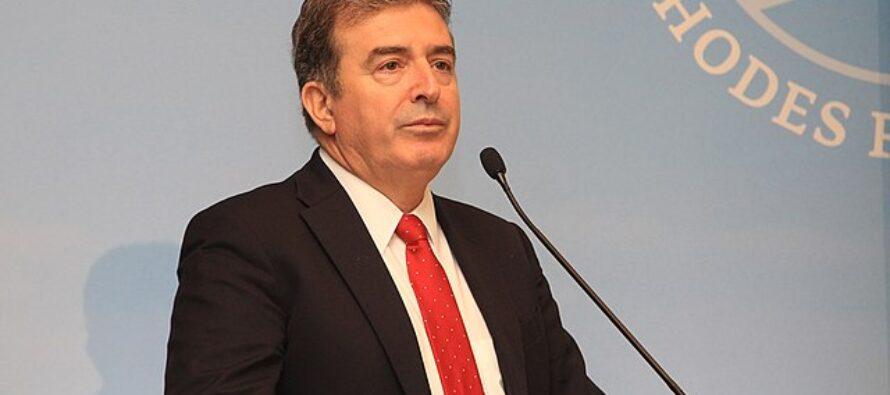 Grecia. Assassinato sotto casa il giornalista Georgios Karaivaz