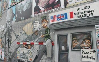 Guerra fredda. Operazione nostalgia e spionaggio nella servile Italia