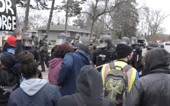 USA. La strage quotidiana: afroamericano ventenne ucciso dalla polizia