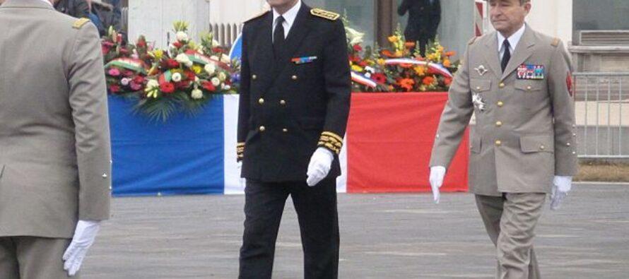 Francia. I militari continuano a minacciare Macron: «Rischio guerra civile»