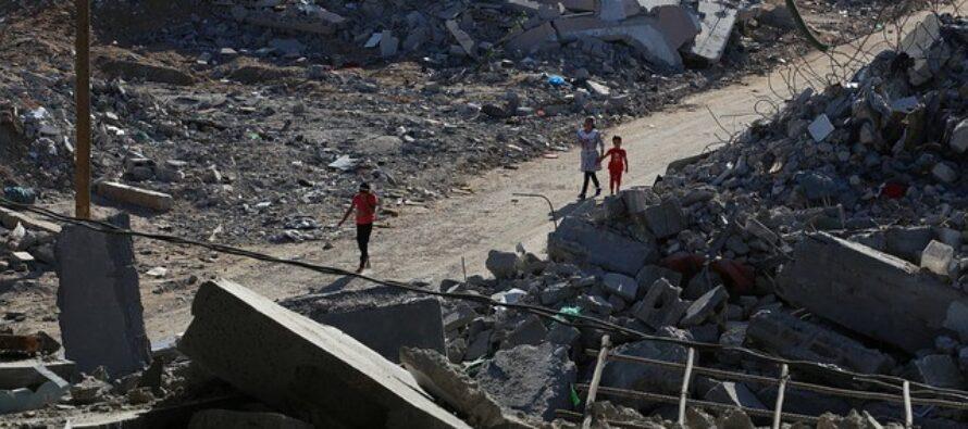 Israele bombarda anche i testimoni: distrutto il palazzo della stampa, a Gaza sterminata una famiglia