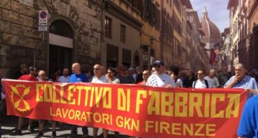 La Gkn resiste ai licenziamenti. Firenze prepara lo sciopero generale