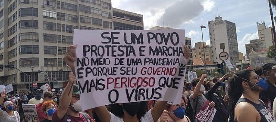 Aria di golpe. Bolsonaro mobilita la piazza per una prova di forza contro i giudici