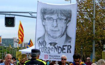 Carles Puigdemont esce dal carcere sardo, ma resta il nodo dell'estradizione