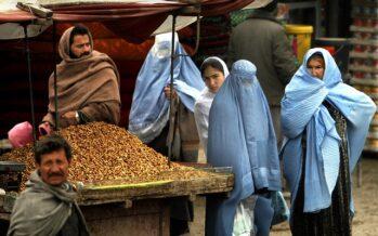 Afghanistan. La guerra continua con l'arma del dollaro, i Talebani alla ricerca di soldi