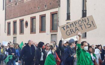 Trieste, i portuali rilanciano la protesta: «No all'obbligo per i sanitari»